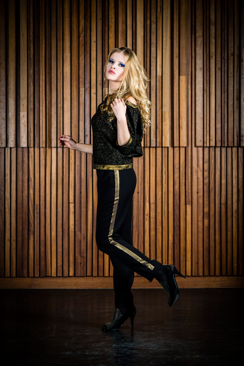 Ruby-shirt-black-gold-+-black-gold-Brigitte-pants-stripe