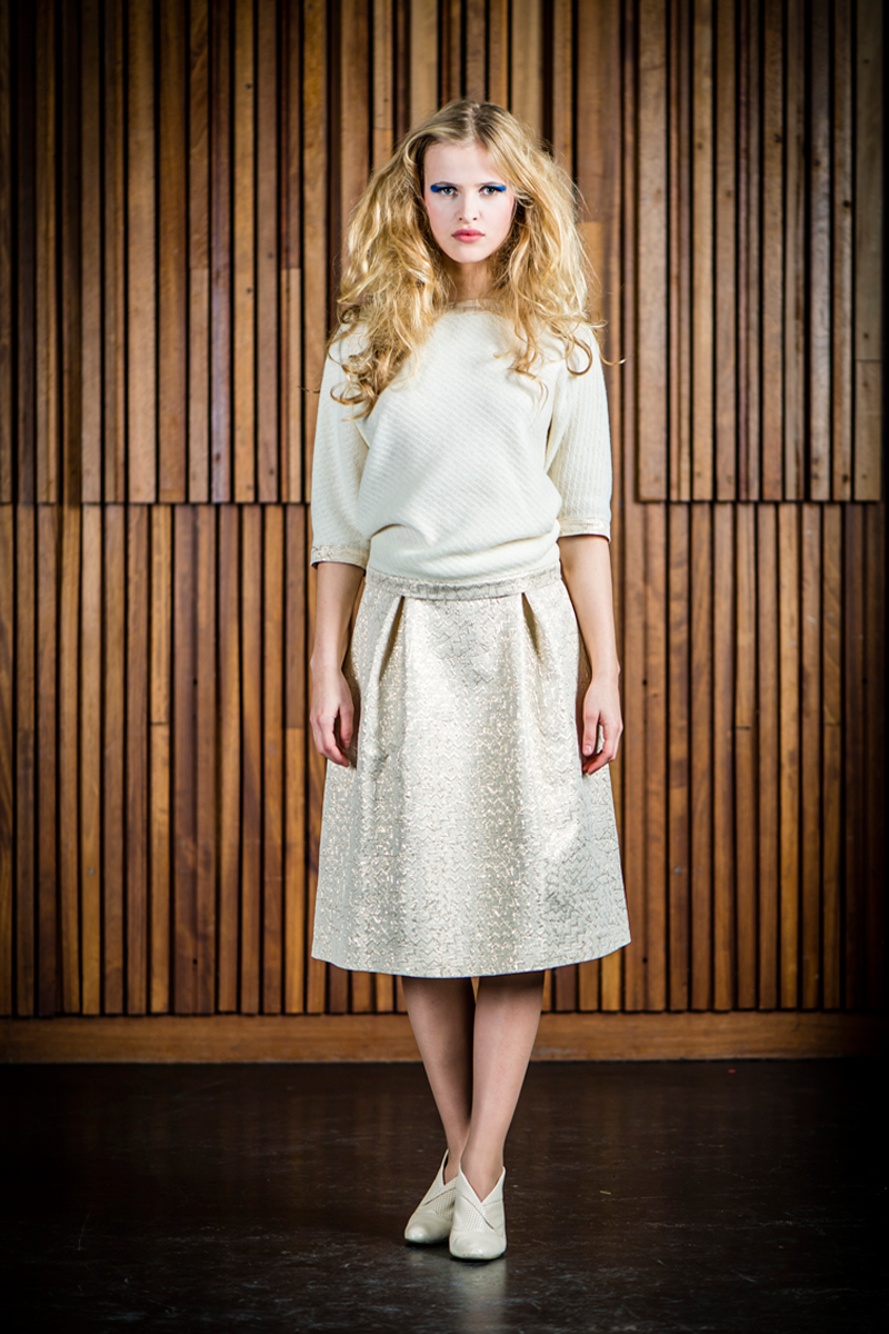 Ruby-shirt-cream-+-Nora-skirt-light-gold