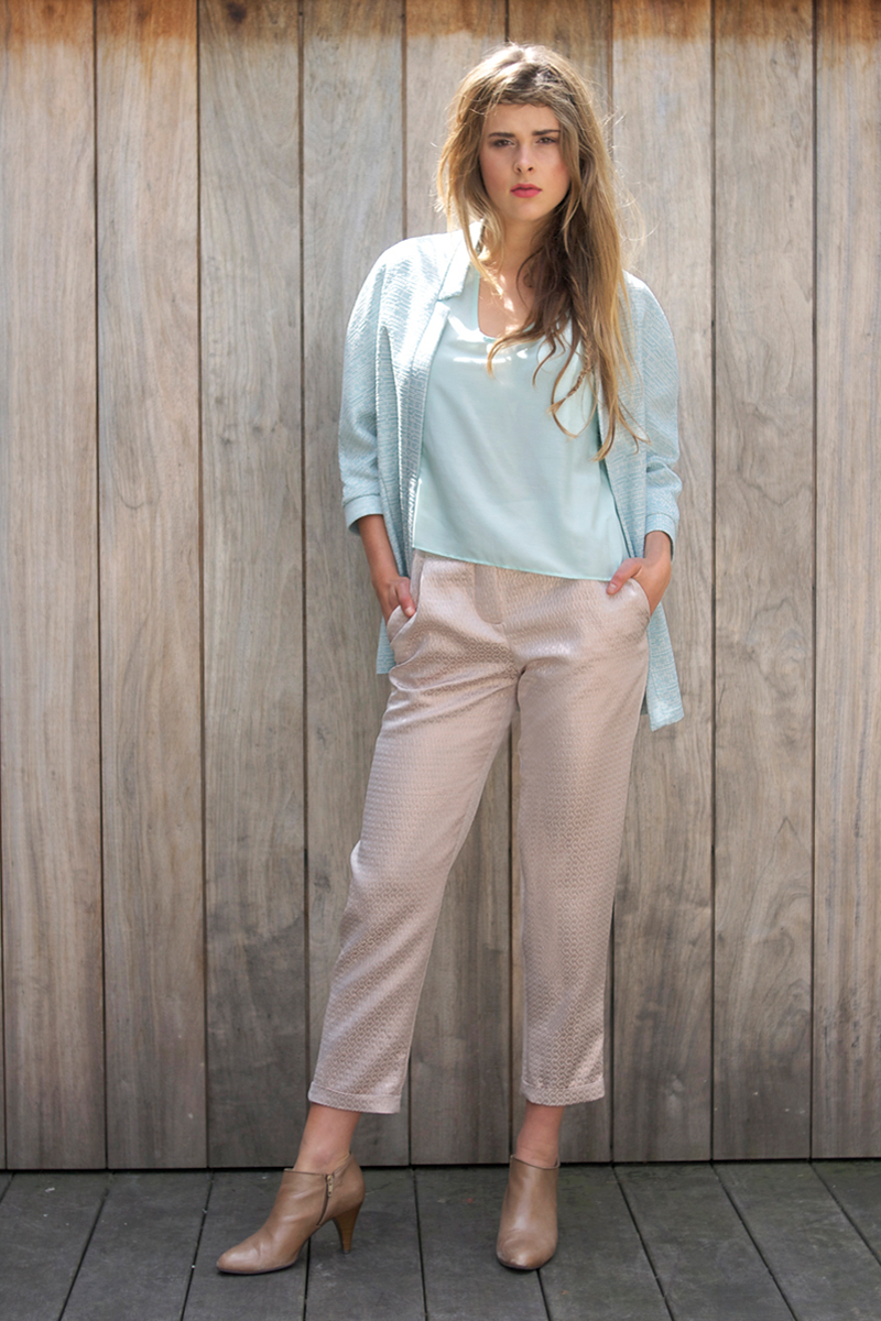 Edith-top-light-blue,-Brigitte-pants-pink-metalic,-April-vest-light-blue