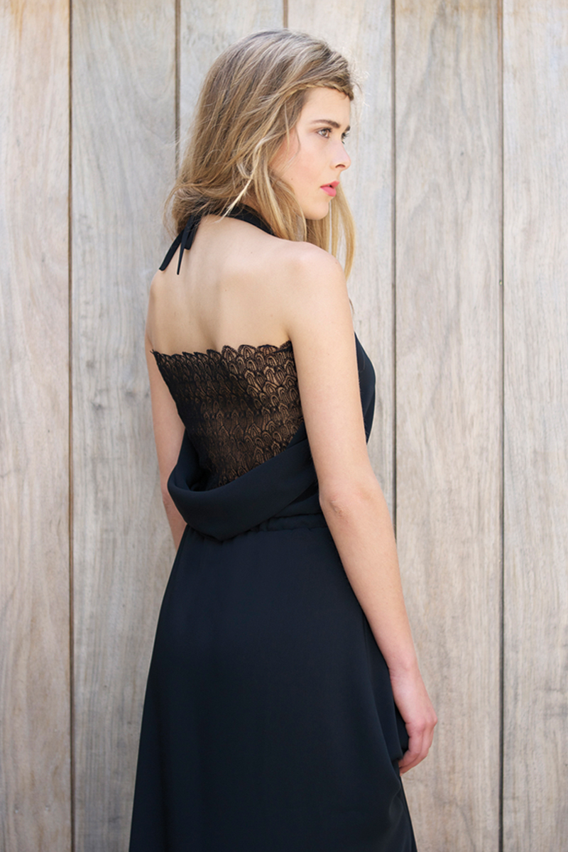 Lux-black-back-close