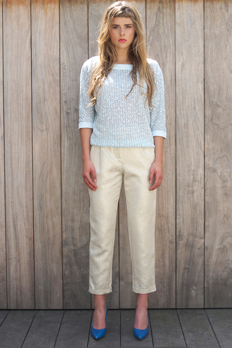Ruby-shirt-light-blue,-Brigitte-pants-gold