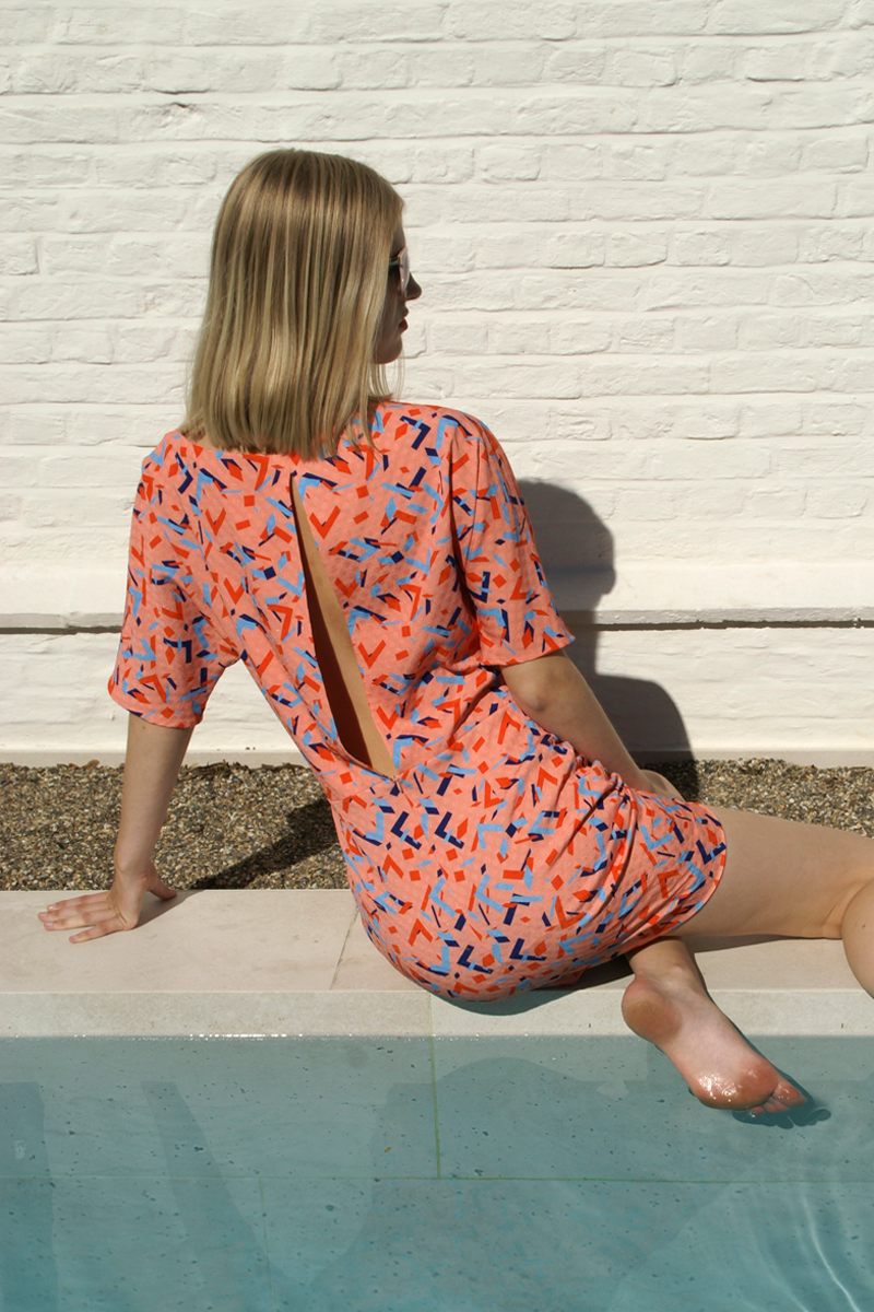 Lucy-dress-coral-graphic-back