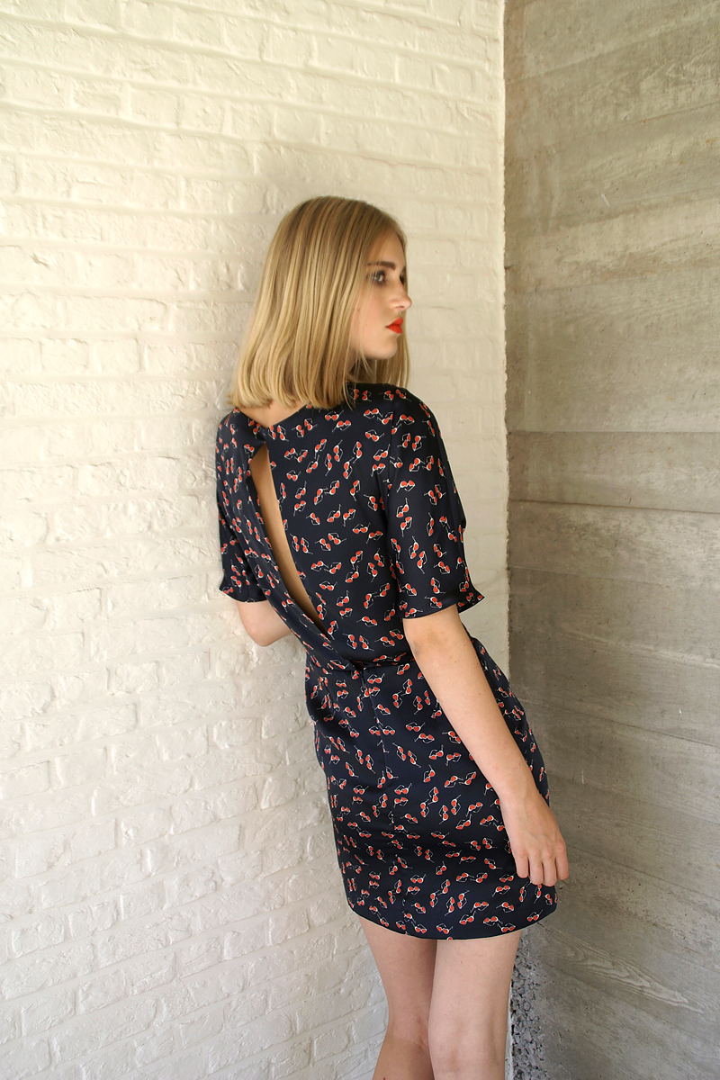 Lucy-dress-navy-sunglasses-back