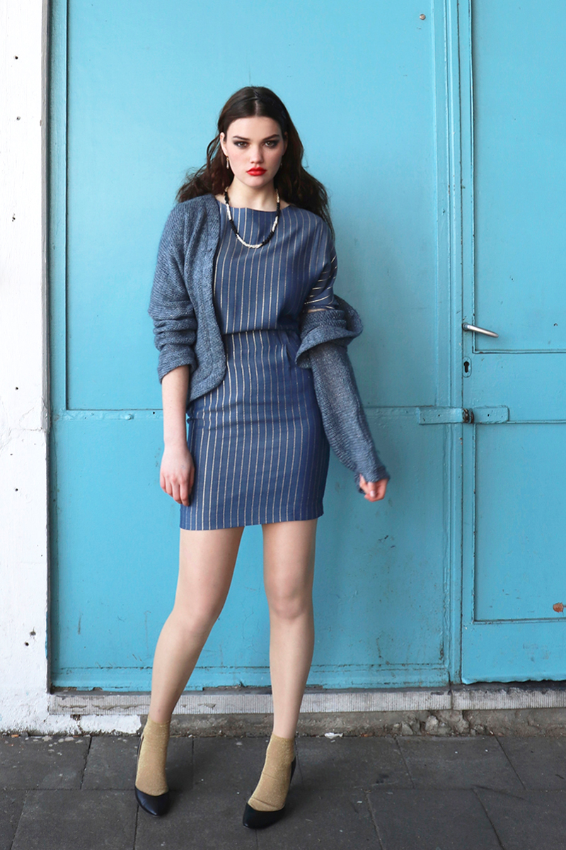 Carry-cardigan-+-Lucy-dress-blue-gold-short1